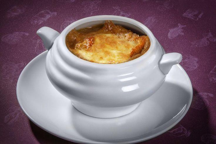"""Классический французский луковый суп Полное меню """"Онегина"""": https://www.facebook.com/ONEGIN.REST/app_117784394919914"""