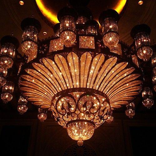 Gorgeousmadeeasy The Most Spectacular Chandelier In World At Al Qasr Hotel فندق القصر