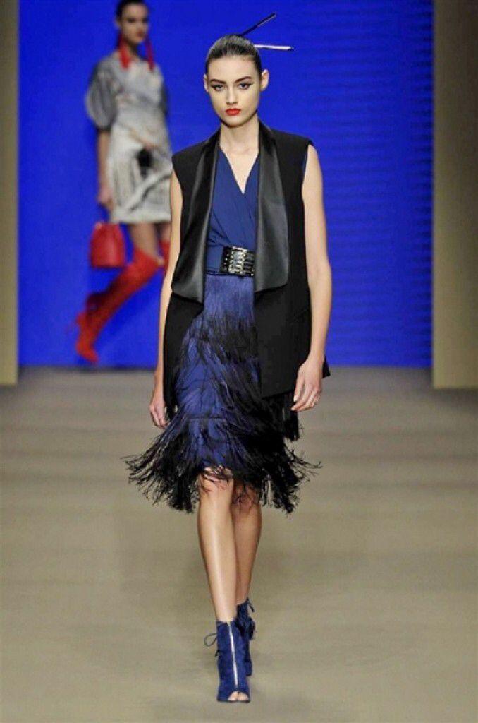 Elisabetta Franchi Fall Winter 2015/2016.   Articolo scritto per Mavieestma.com   #mavieestma #guidagalatticaperfashionisti #moda #mfw #elisabettafranchi #fallwinter20152016 #fashion #news    Link: http://www.mavieestma.com/articolo-131-fashion-news-barra-elisabetta-franchi-collection-2015-16-pfw.html