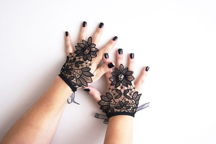 Free Shipping, Black Short Wedding Gloves, Bridal Gloves, Lace Gloves Fingerless Gloves, Steampunk gloves, Wedding Accessory