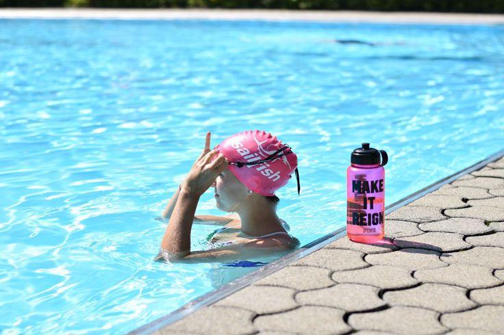 Sommertraining - Schwimmen / Tipps für Anfänger. Tipps von Fitnessbloggerin Klara Fuchs. Ausrüstung, Wasserlage, Visuelles lernen, Crawl. Alles zum Schwimmenlernen .