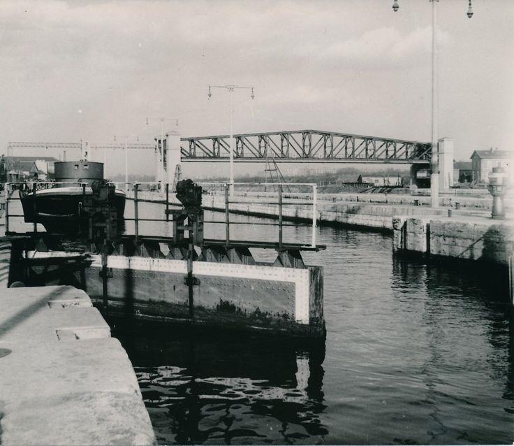 SURESNES c. 1947 - Bateau Écluse Hauts-de-Seine - Div 10838 | eBay