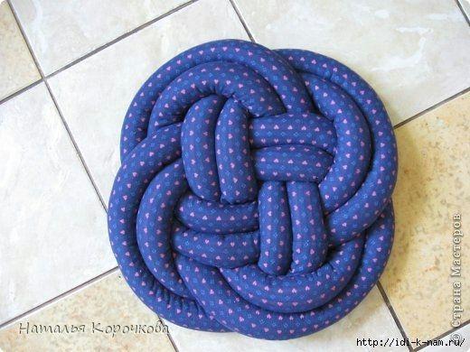 необычные стильные подушки, подушка узел,  как сшить подушку узел китайский,   диванная подушка своими руками,
