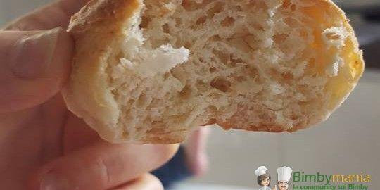 Panini al latte Bimby morbidi anche il giorno dopo 3.63 (72.5%) 16 votes Una ricetta collaudata e testata per dei panini al latte che rimangono morbidi anche il giorno successivo alla preparazione, ideali quindi per essere serviti in un buffet di compleanno, farciti dolci o salati. Panini al latte Bimby, foto e ricetta di Raffaella …