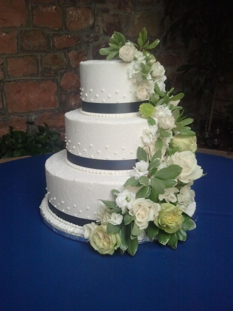 Tiered Wedding Cake Made By Glaus Bakery In Salt Lake City UT