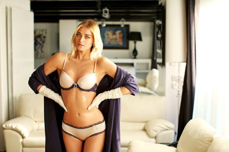 #valery #FW #lingerie #loveforlingerie #purple #basic #blond #model #luxury #glamouros #madeinitaly