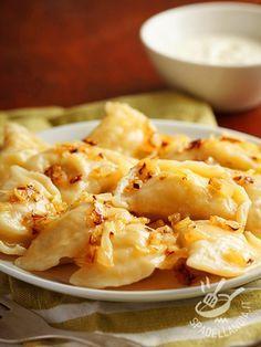 Se volete sperimentare un piatto etnico e nuovo provate i Pierogi: una tradizionale pietanza della cucina polacca. Sono imperdibili!