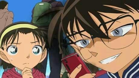 Edogawa Conan (Conachi) Ekspresi lu ketika cek hp temen lu:v