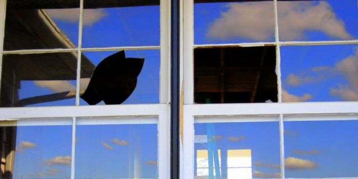 how to glaze a window with caulk