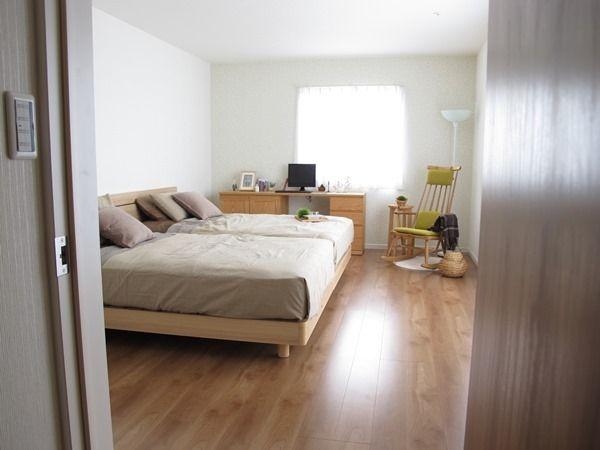 家具なび-広い主寝室は家族みんなで寝る理想の形