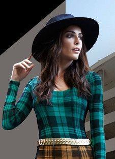 €39.95  Camiseta escocesa en hilo negro con amplio escote redondo / 120 denier talla unica - XS, S, M