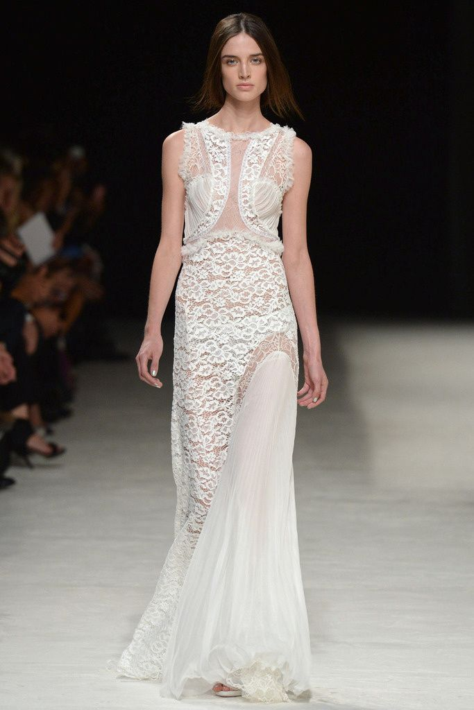 Sweet white outfit full of lace from #NinaRicci in #ParisFashionWeek #SpringSummer2014