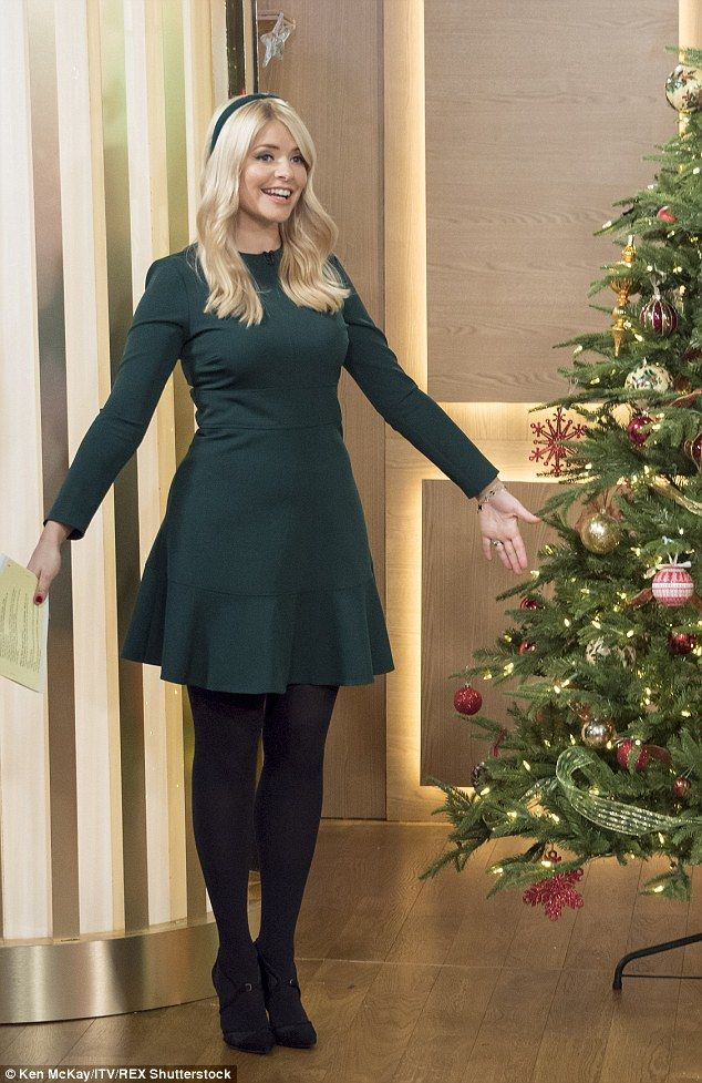 She's a star: Holly Willoughby looked every inch the Christmas cracker as she hosted This ...