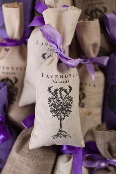Lniane woreczki z suszonymi kwiatami lawendy - Tradycyjne Mydła