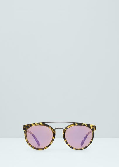 MANGO has the best tortoiseshell retro sunglasses we need!
