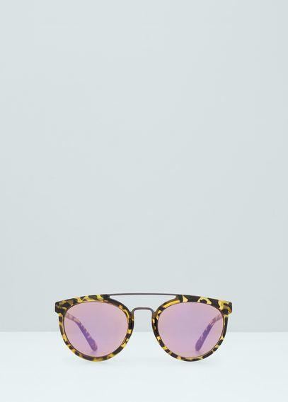 MANGO has the best tortoiseshell retro sunglasses we need!
