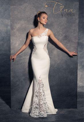 Svadobné šaty s jedným ramienkom v štýle morská panna