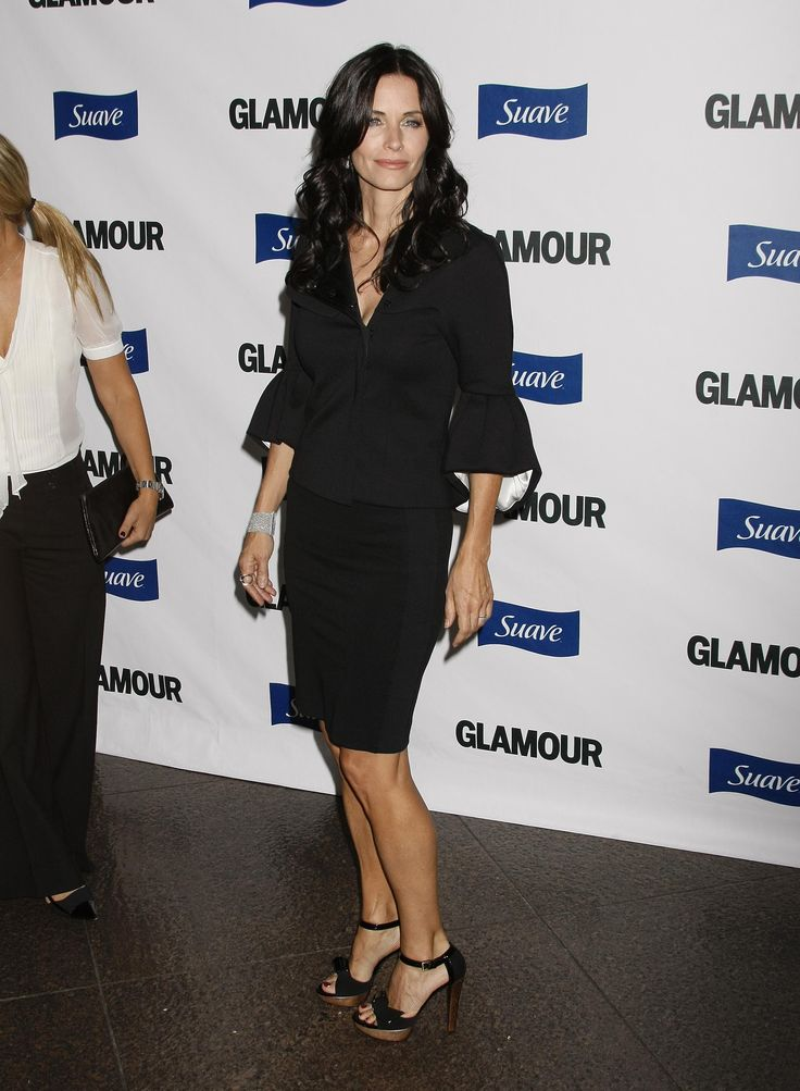 aAfkjfp01fo1i-17157/loc487/23144_Courteney_Cox_arrives_at_Glamour_Reel_Moments-008_122_487lo.jpg