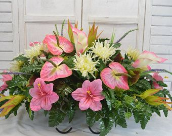 17 best ideas about cemetery flowers on pinterest cemetery decorations grave decorations and for Arrangement floral artificiel
