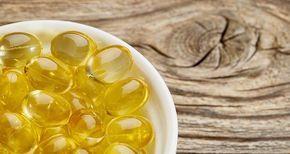 cette-huile-qui-brule-les-graisses-du-ventre - La graisse du ventre donne, non seulement, une apparence inesthétique mais elle représente un danger pour la santé. La graisse viscérale et la graisse autour de l'abdomen peuvent conduire au diabète, aux maladies cardiaques, à l'AVC et à la démence. L'huile poisson riche en acides gras oméga-3 sa consommation favorise la perte des graisse du ventre.Prendre une cuillère à soupe d'huile de poisson (généreusement remplie) par jour.