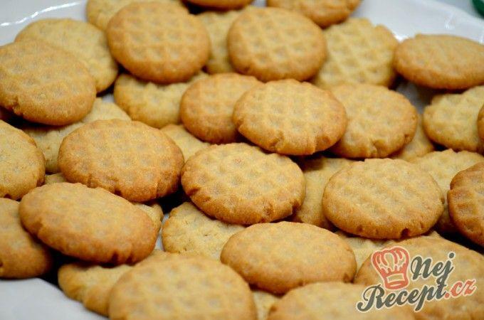 Křehké mandlovo-skořicové sušenky | NejRecept.cz