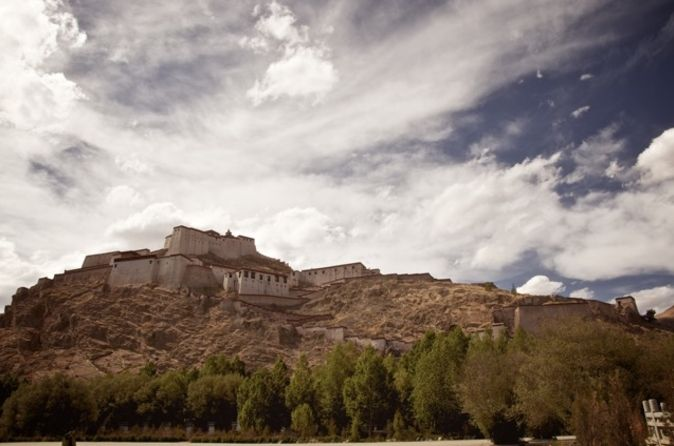 Private 7-Day Tibet Buddhism History Tour from Chengdu to Lhasa and the Yarlung Valley 			Delve into the history of Tibet on a private 7-day tour that takes you from Tibet's first Buddhist monastery in Tsedang to the highlights of Gyantse, Shigatse and Lhasa. You'll visit Yumbulagang Palace and the Yarlung Valley, where Tibetan culture was forged; see sacred Yamdrok Lake; tour Samye Monastery, Sera Monastery, Drepung Monastery and Tashilhunpo Monastery; and marvel at World Her...