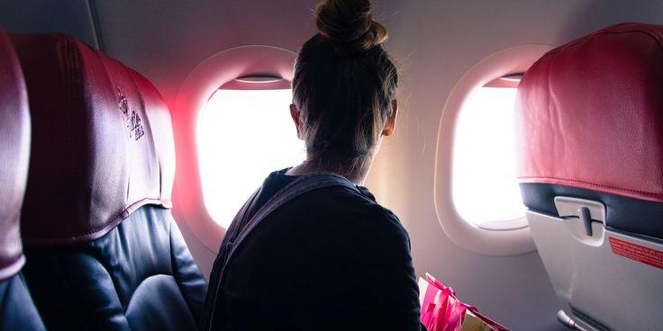 Une hôtesse de l'air sauve une fille d'un trafic d'êtres humains