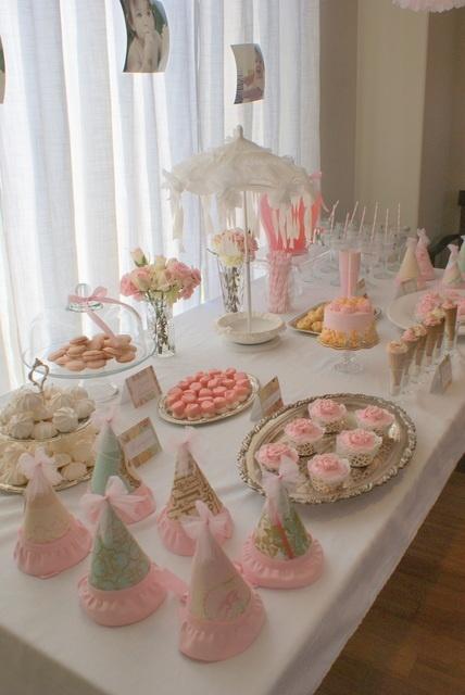 Mesa de primera comunion para ni as en rosa y blanco - Mesa shabby chic ...