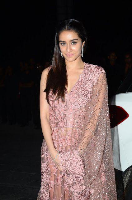 Bollywood, Tollywood & Más: Shraddha Kapoor At Tulasi Kumar Wedding Reception