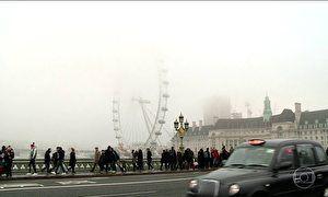 Nevoeiro é o charme de Londres, mas também provoca transtornos