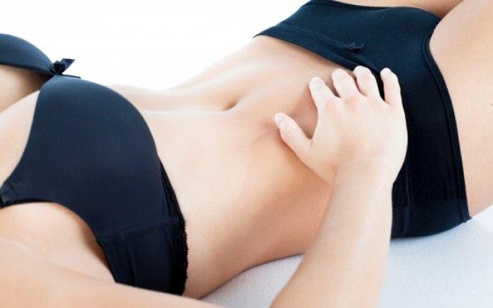 Επίπεδοι κοιλιακοί σε 4 εβδομάδες με 4 απλές ασκήσεις