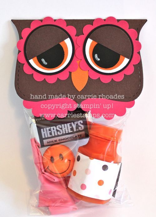 Love this idea! Owl treat bags.: Owl Parties Bags Ideas, Goodies Bags, Crafts Ideas, Owl Treats Bags, Owl Toppers, Bags Toppers, Owl Birthday Parties Favors, Owl Valentines Birthday Ideas, Owl Bags