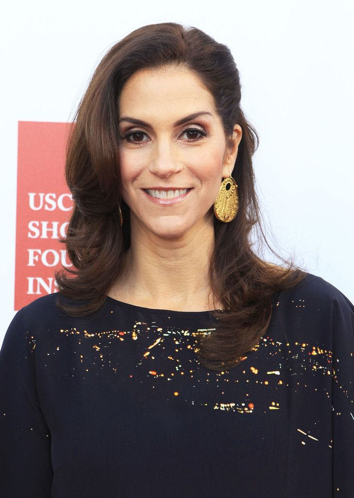 Jami Gertz Photos: USC Shoah Foundation Institute Ambassadors For Humanity Gala - VIP Arrivals