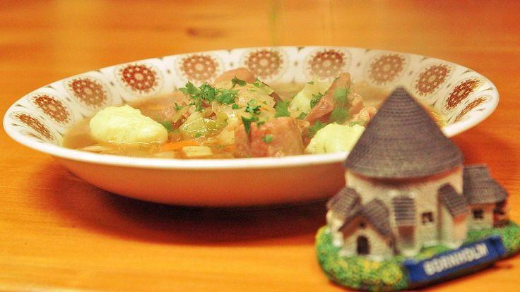 I serien om dansk tradisjonsmat reiser brødrene Price til Bornholm, og får prøve brennsnut – ei suppe som er nesten identisk med norsk kjøttsuppe. Her er deres oppskrift.