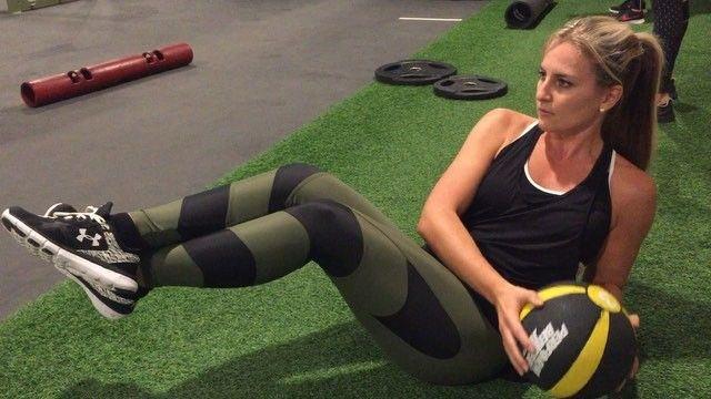 Das sind die 5 besten Übungen gegen Unterbauchfett