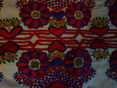 parna vintage linen and hemp: Traditional Hungarian Embroidery (1) - Buzsák