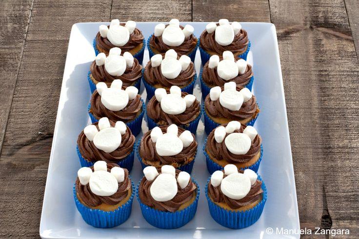 Vanilla and Nutella Paw Print Cupcakes - a fun idea and a delicious recipe!