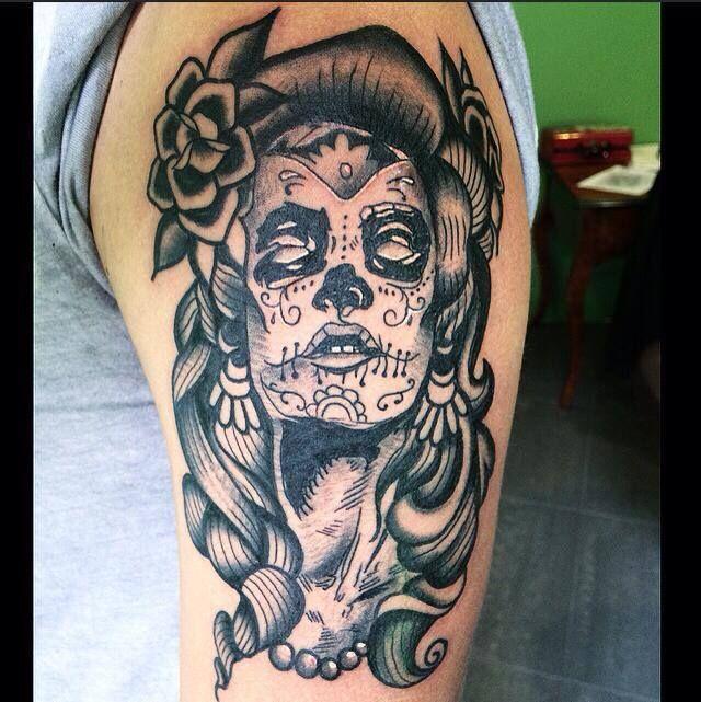 104 best images about tatuaggi traditional on pinterest for Tatuaggi donne pin up