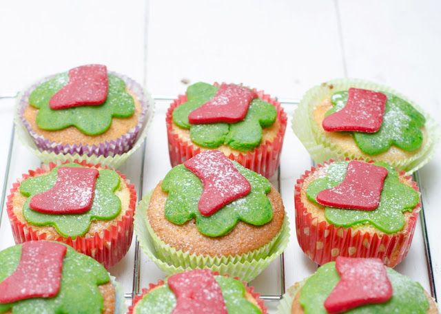 Cupcakes cu lamaie si martipan -Cooking with my soul