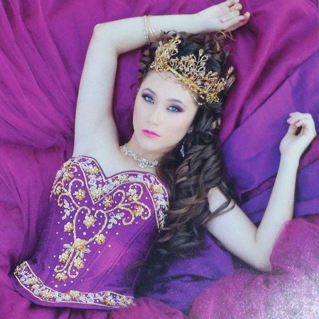"151 Likes, 15 Comments - God&Family(LaZette)stayhumble (@lazette_tirado) on Instagram: ""Photographer: David De Dios Magazine: Quince Portfolios📰 Cover Queen: Vanessa Robles👑 @lunarnymphz…"""