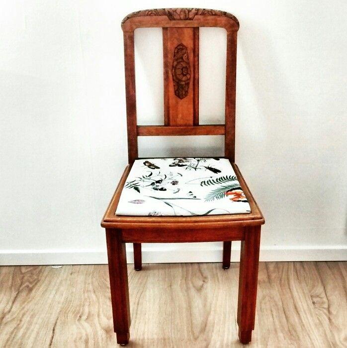 DIY kringloopstoel, opgekapt en bekleed met tafelzijl  #artnouveau #antiques #retro #vintage #tweedekans #oudisnieuw #pimp  #kringloopgeluk #diy