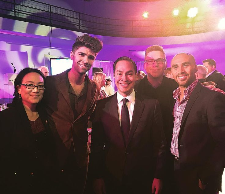 "109 Likes, 4 Comments - Todd Hawkins (@toddhawk) on Instagram: ""Team #HawkinsMikita with Secretary Julian Castro at The @truecolorsfund inaugural #DamnGala !"""