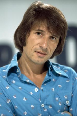 Afbeelding van http://img.welt.de/img/buehne-konzert/crop132749387/2746608651-ci3x2s-w300-ai2x3l/Udo-JUERGENS-Portrait-1974.jpg.