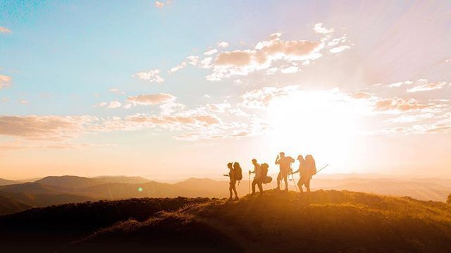 "::: FEATHERTOP ::: ""Drone Selfie 📸"" 📷@ha.my.d  #keepitwild#liveoutdoors#discoverearth#lovelifeoutside#adventureisoutthere#adventurethatislife#wandering#outdoors#hikingadventures#womenwhohike#girlswhohike#hiking#hikersguide#trekking#tramping#camping#bushwalking#mountaineering#highcountry#vicalps#victorianalps#feathertop#mtfeathertop#hikevictoria#visitvictoria#seeaustralia#dronestagramhikersguide.com.au"