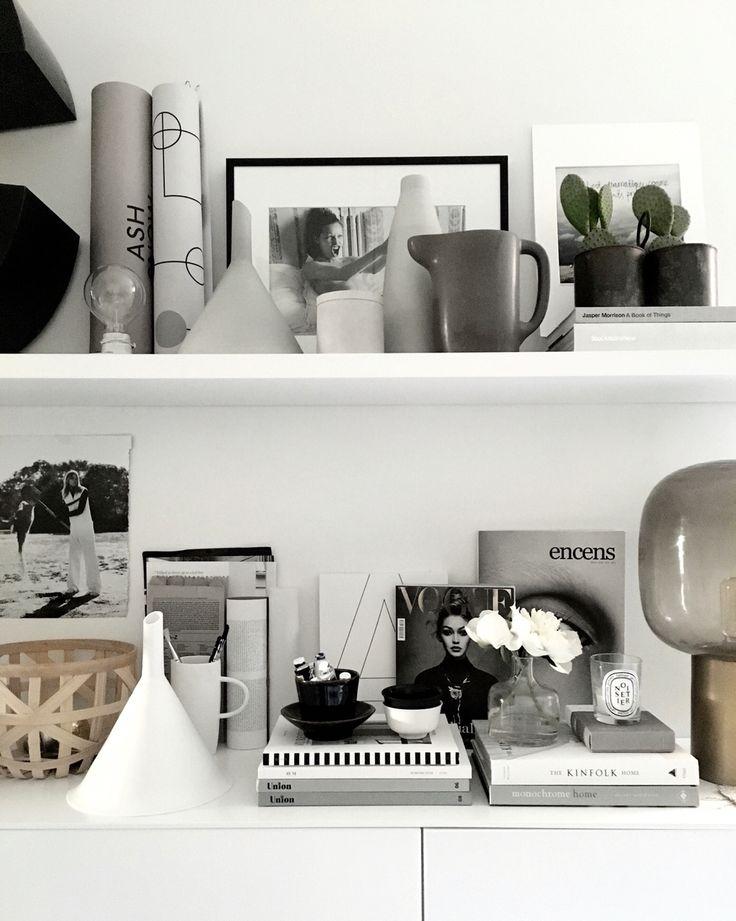 Office shelves. /Therese Sennerholt