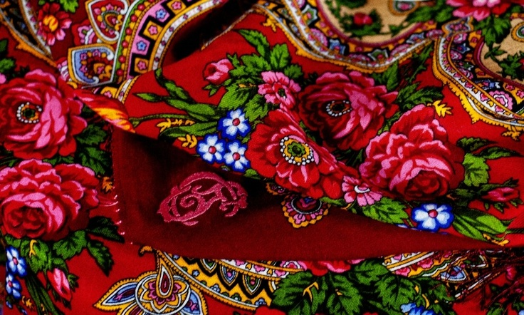 Are you a fan of the Russian old-fashion?  Scarve Comtesse Sofia