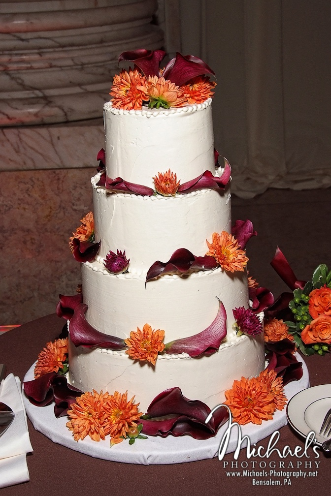 fall theme wedding cakes 17 best images about dahlia ideas for cakes on 14156