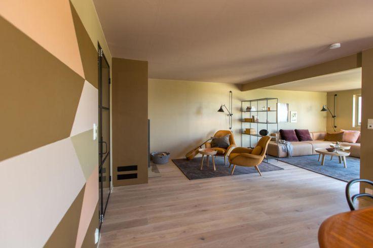 Les Kjerstis prosjektblogg og se før- og etterbildene fra familiens åttefargede stuen!
