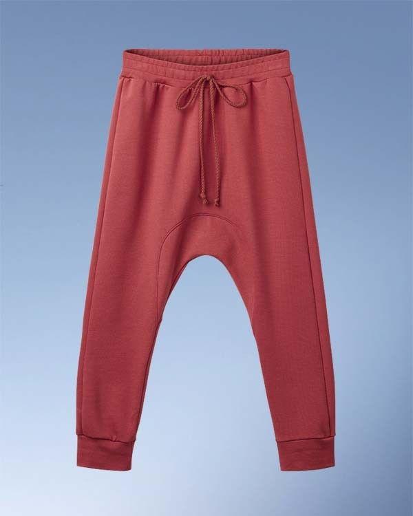 Hjemmelavede Sweat bukser med kiler i kraftig jersey. Blød og holdbar Punto Roma i flotte farver. Perfekt til børn.