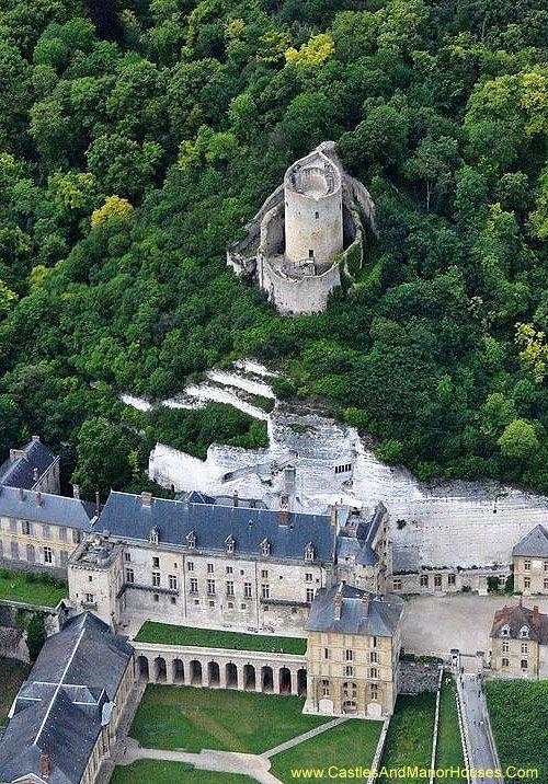 Châteaux de La Roche-Guyon La Roche-Guyon, Val-d'Oise, Île-de-France, France. http://www.castlesandmanorhouses.com/photos.htm The original château fort was built on the hill here in the 12th century,...